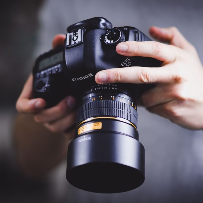 The benefits of using good quality photographs and imagery on your website